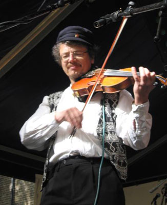 klezmer fiddle player